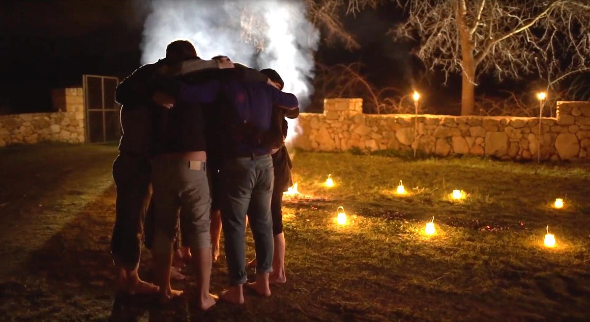 Empoderamiento en grupo antes del Firewalking